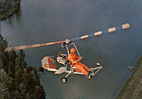 Bensen-Autogyro-02-Over-Water-290p